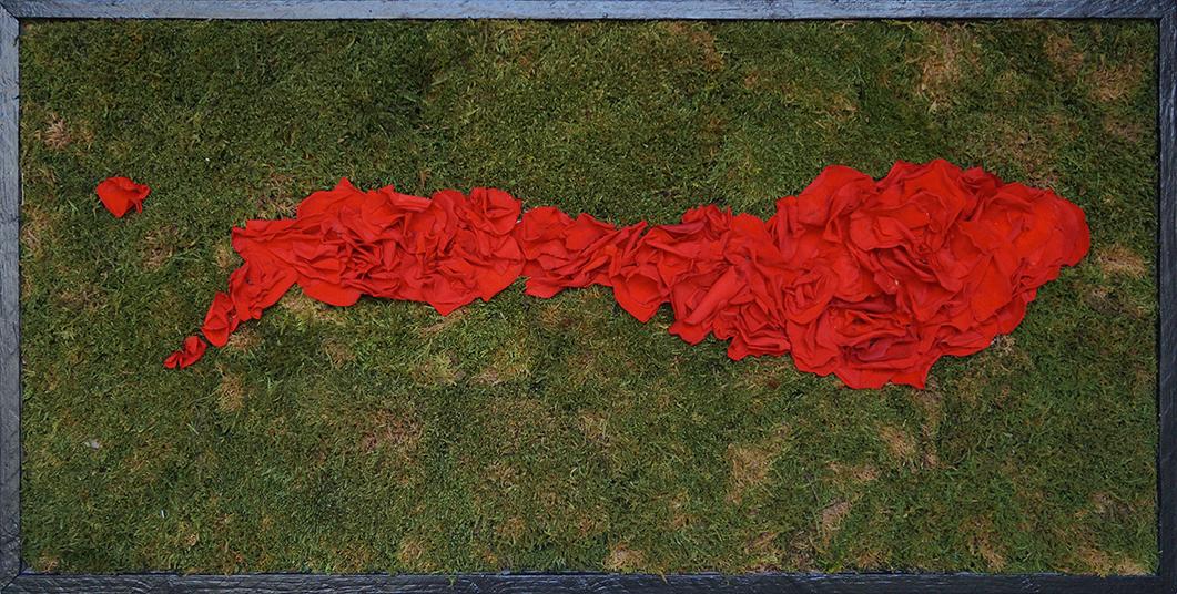 Tableau en mousse stabilisée et ses pétales de roses