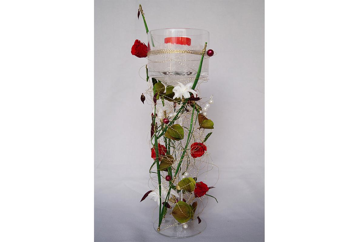 Composition de verrerie, bougie, gel et végétaux stabilisés et secs