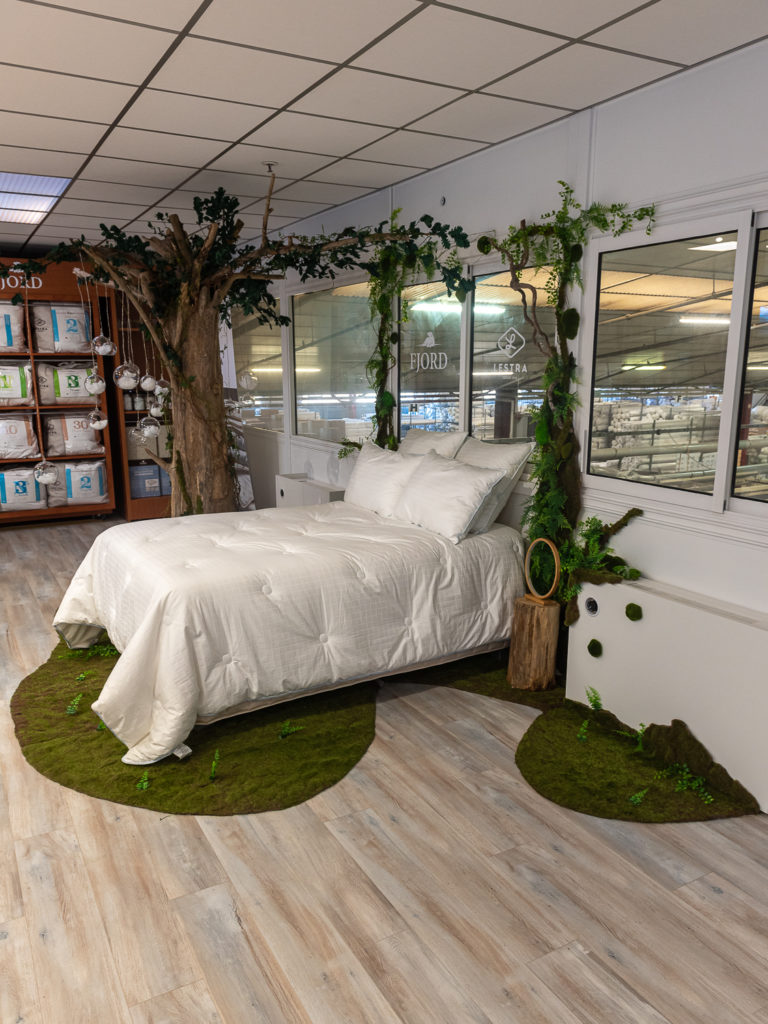 show room; scénographie, decor vegetal; décor végétal stabilisé; arbre décoratif